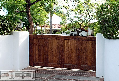 Spanish Style Sliding Gate Ideas For Historical Homes In