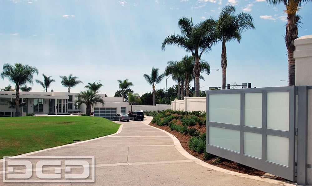 Modern Driveway Gate & Garage Doors