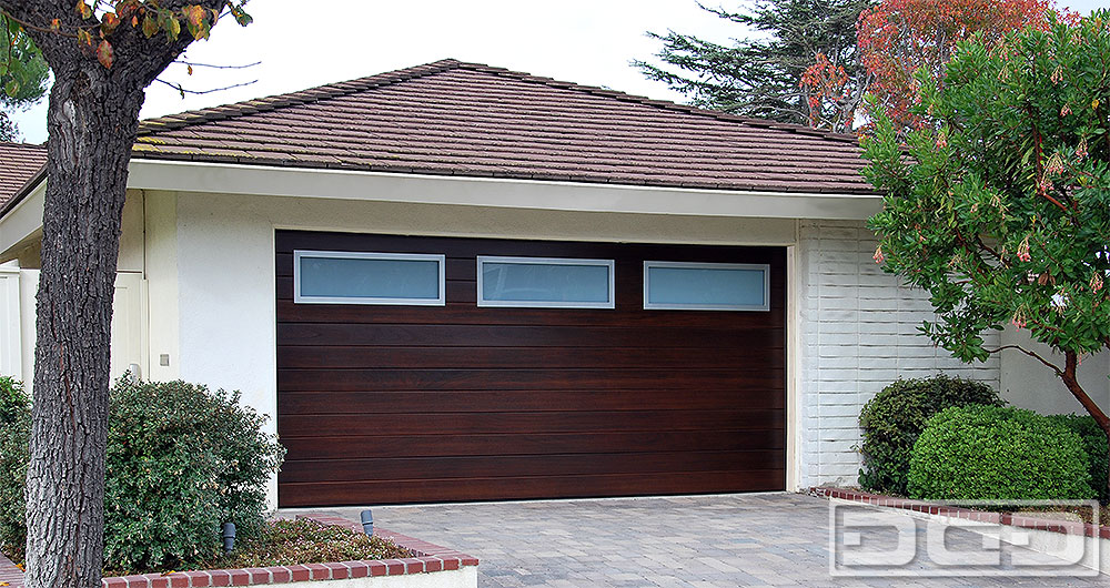 A Unique, Modern Garage Door Design!